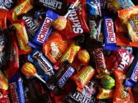 8 Ways to Save on Halloween Candy
